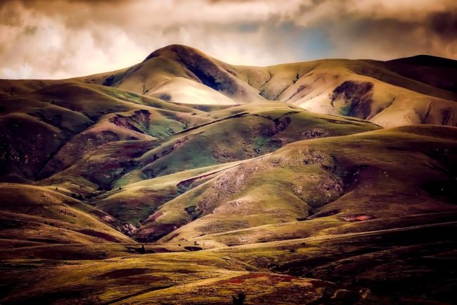 iceland rolling hills