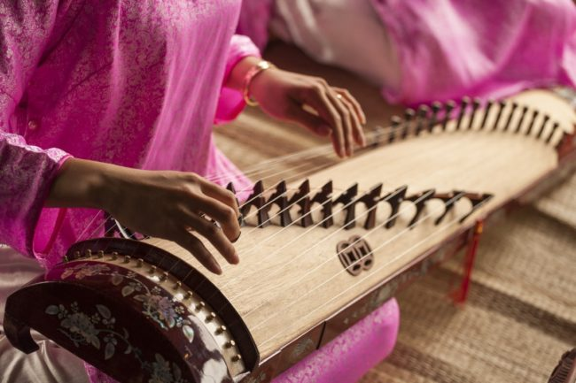 playing gayageum