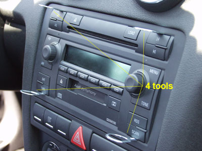 Audi A3 2008: GROM iPhone Bluetooth adapter installation