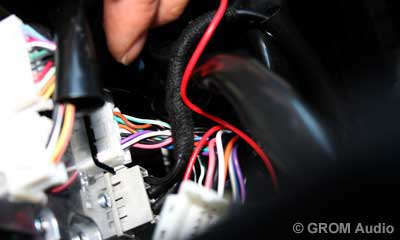 Installation of GROM USB MP3 and iPod  adapter in Infiniti FX35 2009 - step11