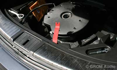 Installation of GROM USB MP3 and iPod  adapter in Infiniti FX35 2009 - step15