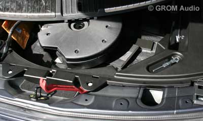 Installation of GROM USB MP3 and iPod  adapter in Infiniti FX35 2009 - step16