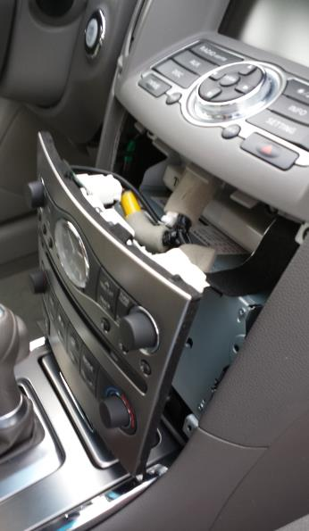 Car Stereo Removal guide - Infiniti G37 - step3