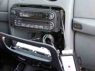 Jeep Liberty 2006: iPod Installation