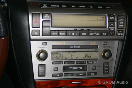 GROM USB MP3 and iPod  adapter in Lexus SC430 2006 - original stereo