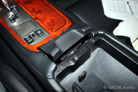 Installation of GROM USB MP3 and iPod  adapter into Lexus SC430 2006 - remove the radio